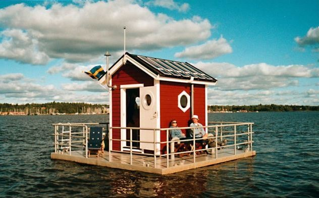 Utter Inn floating hotel in Sweden